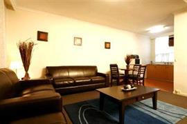 90980_007_Guestroom