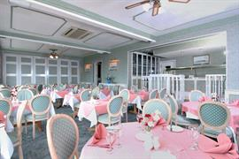 new-holmwood-hotel-dining-01-83365