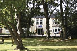 new-kent-hotel-grounds-and-hotel-04-83326