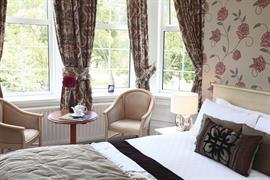 new-kent-hotel-bedrooms-09-83326