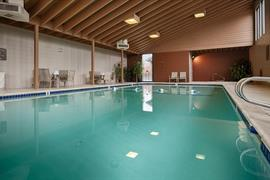 38013_002_Pool
