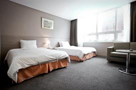 99504_004_Guestroom