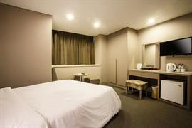 99504_007_Guestroom