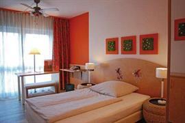95415_001_Guestroom