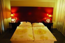 95415_004_Guestroom