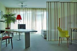 95415_005_Guestroom