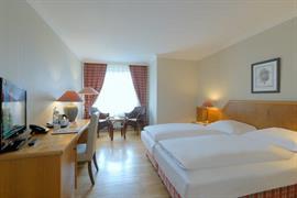 95469_003_Guestroom