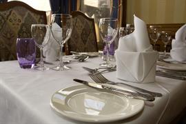 oaks-hotel-dining-02-83950