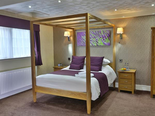 the-old-mill-hotel-bedrooms-06-83941