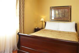old-tollgate-hotel-bedrooms-13-83346