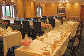 old-tollgate-hotel-wedding-events-04-83346