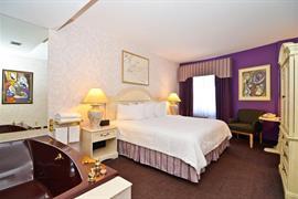 33035_006_Guestroom