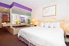 33035_007_Guestroom