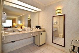 05630_007_Guestroom