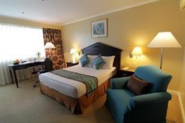 99026_006_Guestroom
