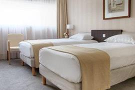 93714_006_Guestroom