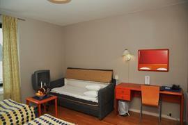 88207_006_Guestroom
