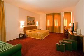 98276_007_Guestroom