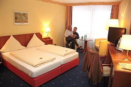 95353_004_Guestroom