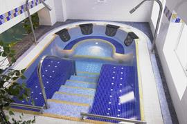 Swimming pool and spa jacuzzi the parkmore hotel stockton on tees