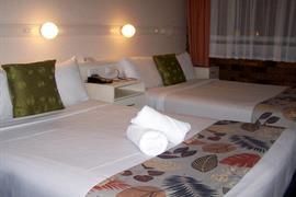90711_007_Guestroom