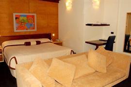 97224_004_Guestroom