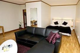 88125_006_Guestroom