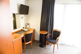 92941_006_Guestroom