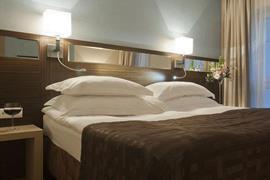 81023_007_Guestroom