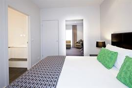 97362_006_Guestroom