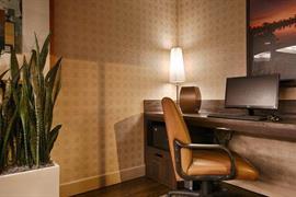 05711_006_Businesscenter