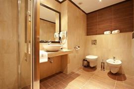 77706_005_Guestroom