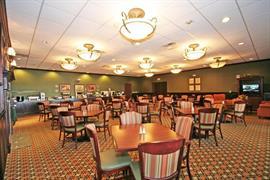 34053_007_Restaurant