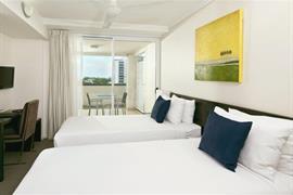 97427_005_Guestroom