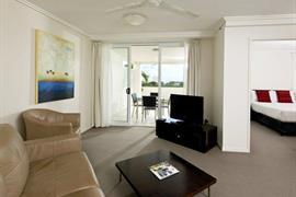97427_006_Guestroom