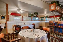 05425_002_Restaurant