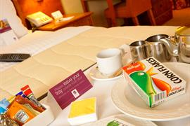 cedar-court-hotel-leeds-bradford-bedrooms-01-83949-OP