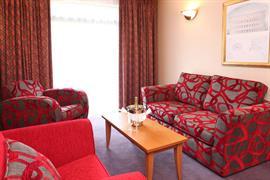 cedar-court-hotel-leeds-bradford-bedrooms-05-83949