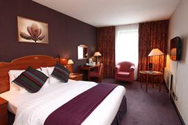 cedar-court-hotel-leeds-bradford-bedrooms-11-83949