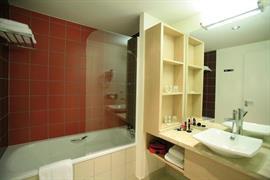 93618_007_Guestroom
