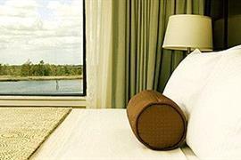 34136_006_Guestroom
