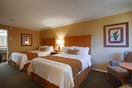 05244_006_Guestroom