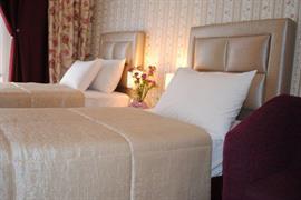 77601_006_Guestroom