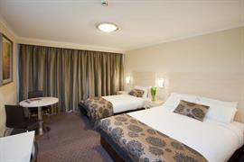 97381_002_Guestroom