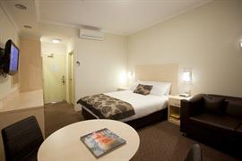 97381_004_Guestroom