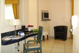 95442_007_Guestroom