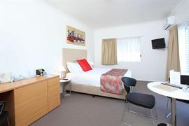 97241_006_Guestroom