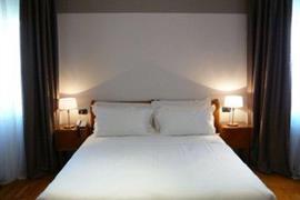 98304_007_Guestroom