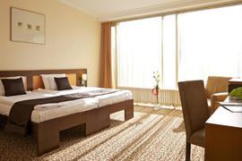 89317_005_Guestroom