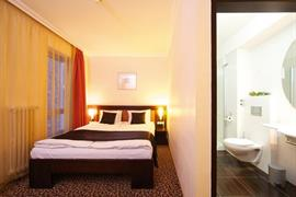 89317_006_Guestroom